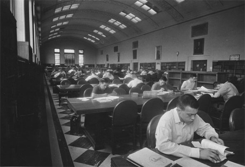 Thomas Library Reading Room